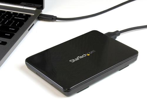 La caja se conecta fácilmente al puerto USB-C de su portátil con el fin de suministrar almacenamiento de datos externo