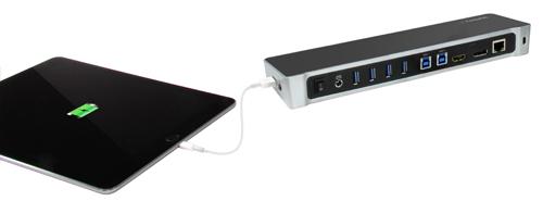 Replicador de puertos para doble ordenador portátil en proceso de carga rápida de un tablet, desde el puerto USB lateral de carga rápida